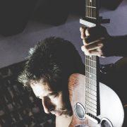 pol-guitariste-chanteur-2117-fabiennecarreira